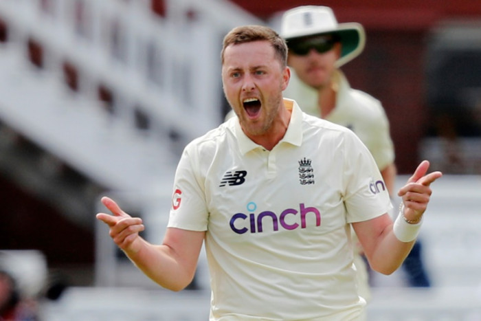 England suspend Robinson pending racism probe