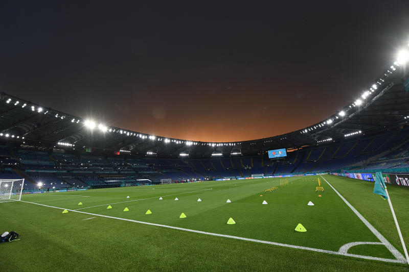 The Olympic Stadium in Rome hosts the first Euro 2020 match between Italy and Turkey. The kick-off time is at 2am on Saturday in Thailand. (Reuters photo)