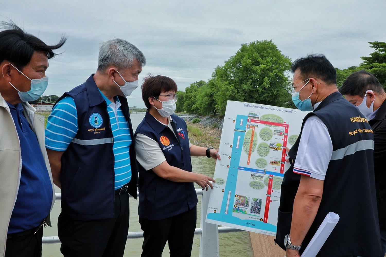 PWA Governor surveys Lop Buri province to fight drought