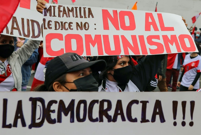 Rightwing presidential hopeful Keiko Fujimori has sought to portray her leftist rival, Pedro Castillo, as a communist threat
