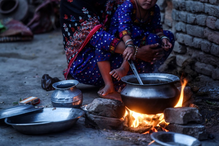 Many families have to choose between food and vital HIV medicine in the town of Rato Dero in Pakistan southern Sindh province.