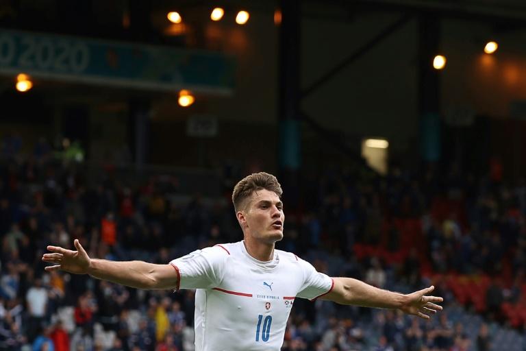 Brilliant Schick sends returning Scotland to defeat ahead of Spain opener