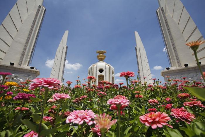 Pheu Thai charter bill may be shelved