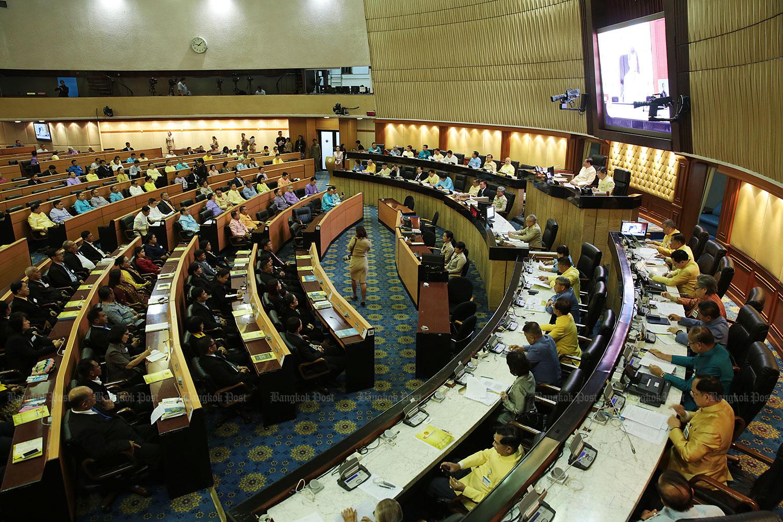 Senator breaks ranks on PM vote
