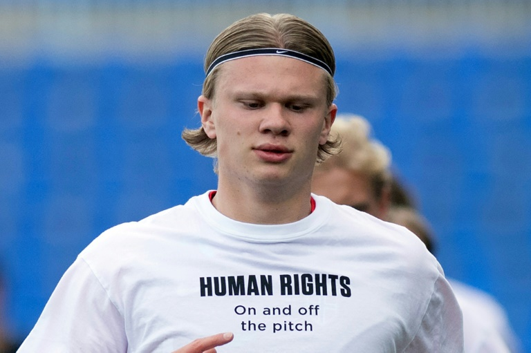 Star forward Erling Braut Haaland and his Norway teammates wore these t-shirts before a World Cup qualifying match.