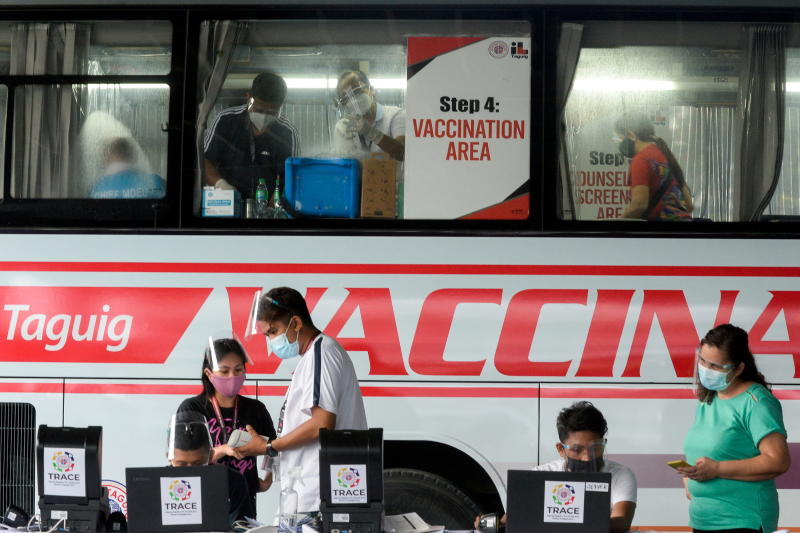 Duterte threatens to jail those who refuse Covid vaccines