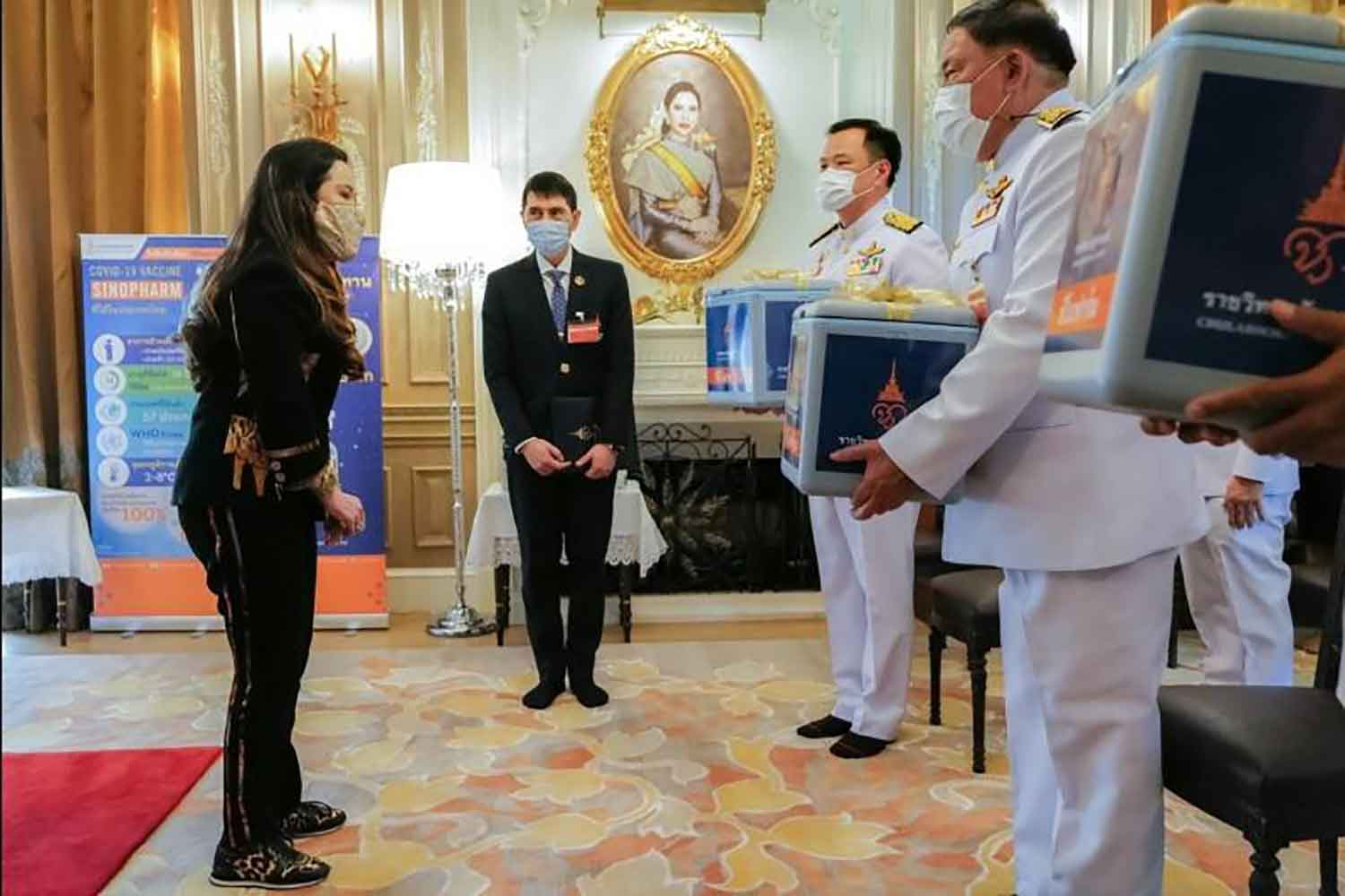 Her Royal Highness Princess Chulabhorn Krom Phra Srisavangavadhana provides 25,600 doses of Sinopharm vaccine to the Public Health Ministry, City Hall, the Department of Corrections and the Chulabhorn Hospital to mark the Princess's 64th birthday on July 4. (Photo from the Bangkok Metropolitan Administration)