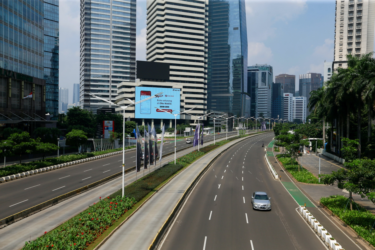 A major thoroughfare in Jakarta is deserted as a two-week lockdown took effect on Saturday. (Reuters Photo)