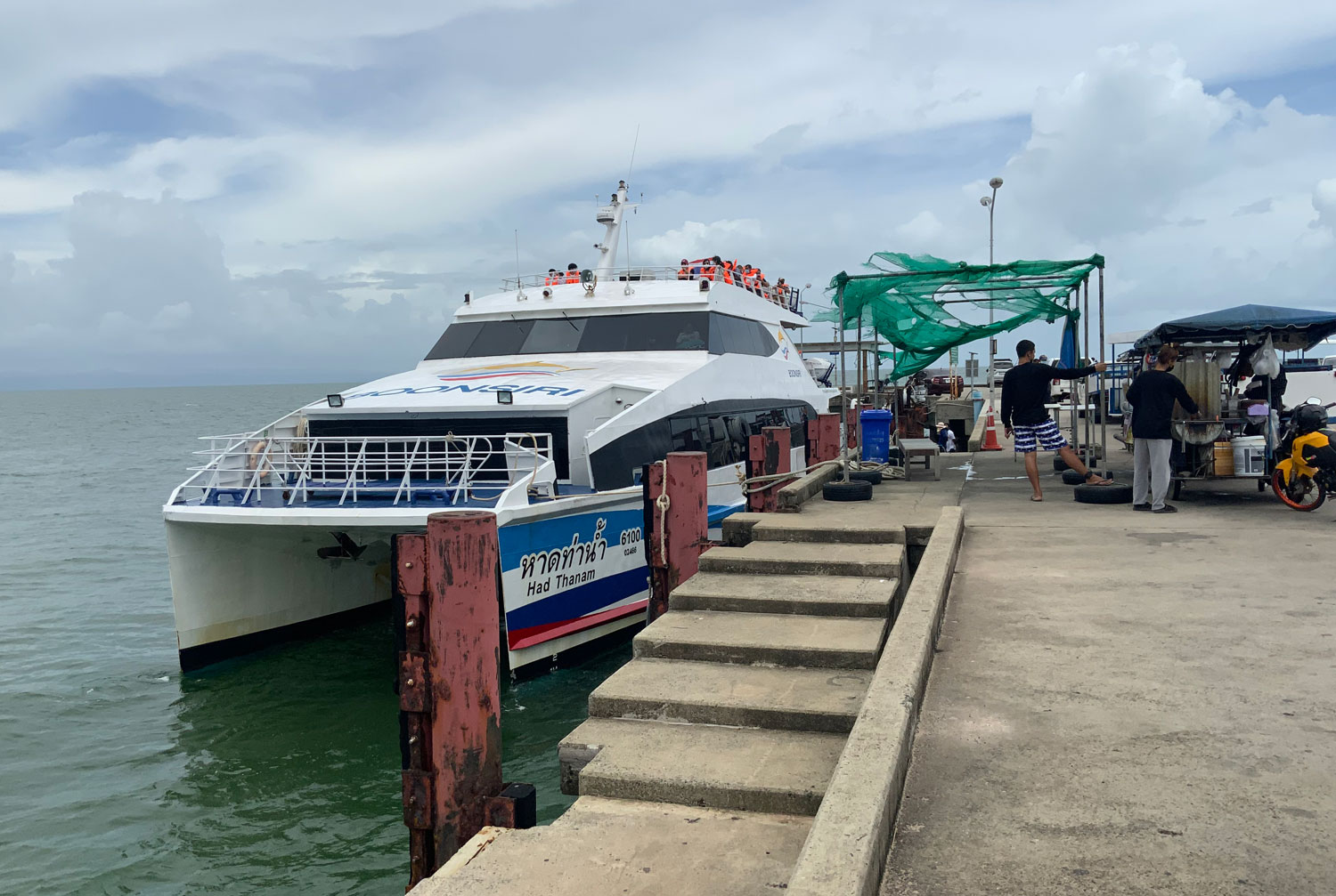 Only a small number of tourists stepped off the ferry at Koh Chang, a popular island in Trat, on Saturday. (Photo: Jakkrit Waewkraihong)