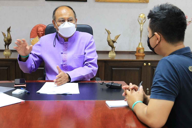 Nakhon Ratchasima governor Kobchai Boon-orana talks to a reporter on Tuesday. (Photo: Prasit Tangprasert)