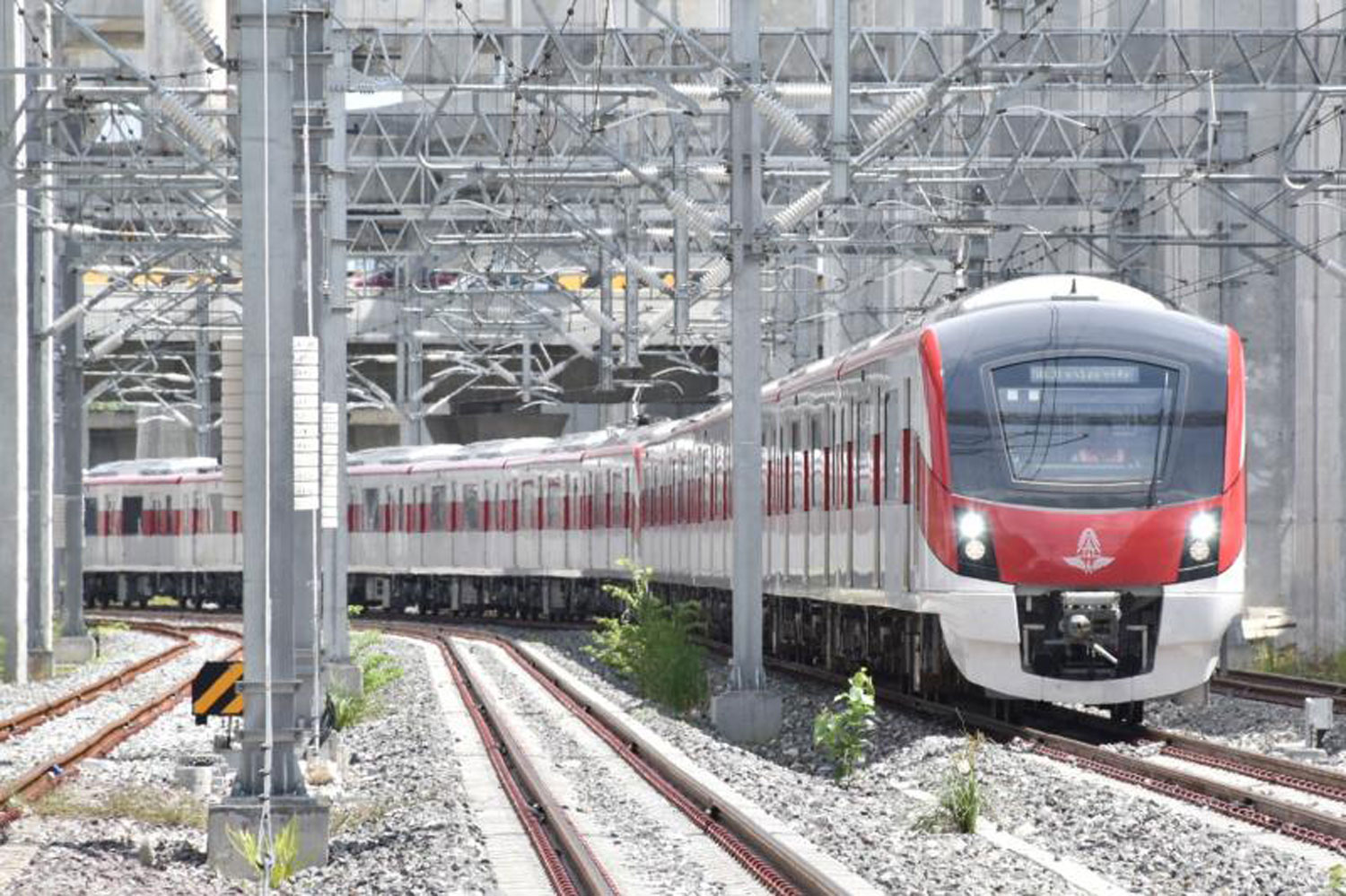 State Railway of Thailand will hold a soft launch of Red Line services on Aug 2 as planned. (State Railway of Thailand photo)