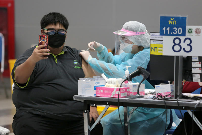 Thursday was the first day that the elderly aged 60 and over, people who weigh more than 100 kilogrammes and women at least 12-week pregnant could walk in at Bang Sue Grand Station for their first shots of the AstraZeneca vaccine. (Photo: Chanat Katanyu)