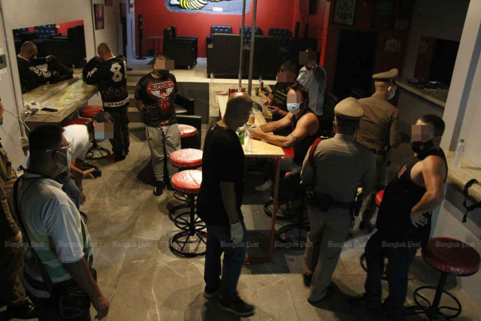 Foreigners arrested in Pattaya raids