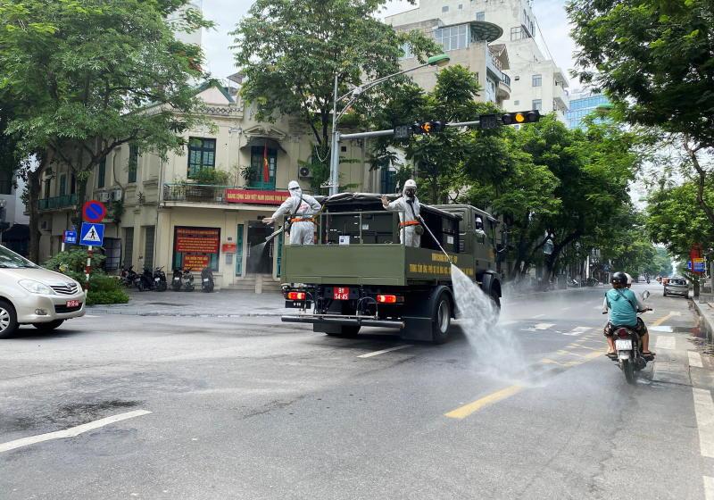 Vietnam's major cities eye tightening Covid curbs as cases keep rising