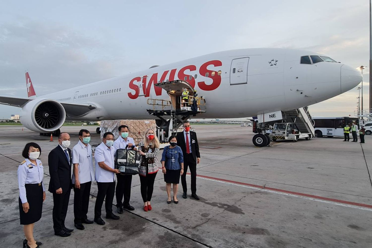 Medical supplies donated by Switzerland arrive