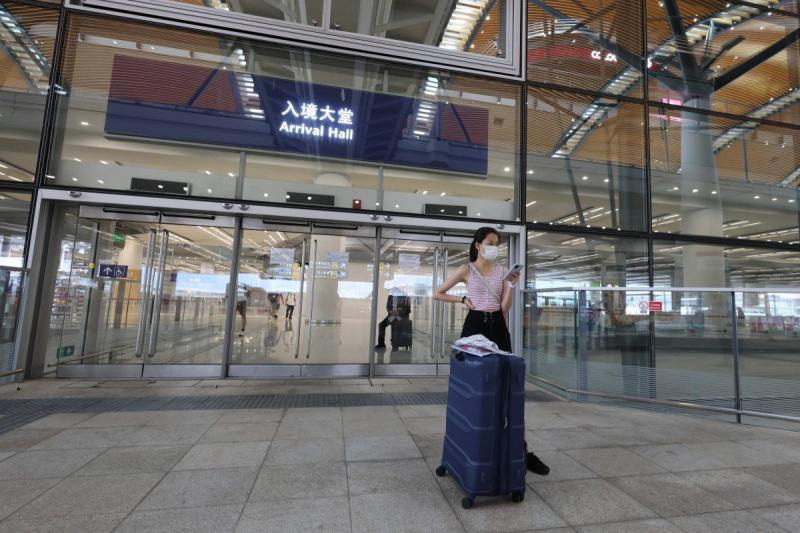 Hong Kong tourism sector pleads with government to reopen border with China