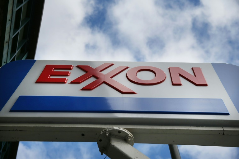 US oil giants to keep a lid on spending even as profits surge