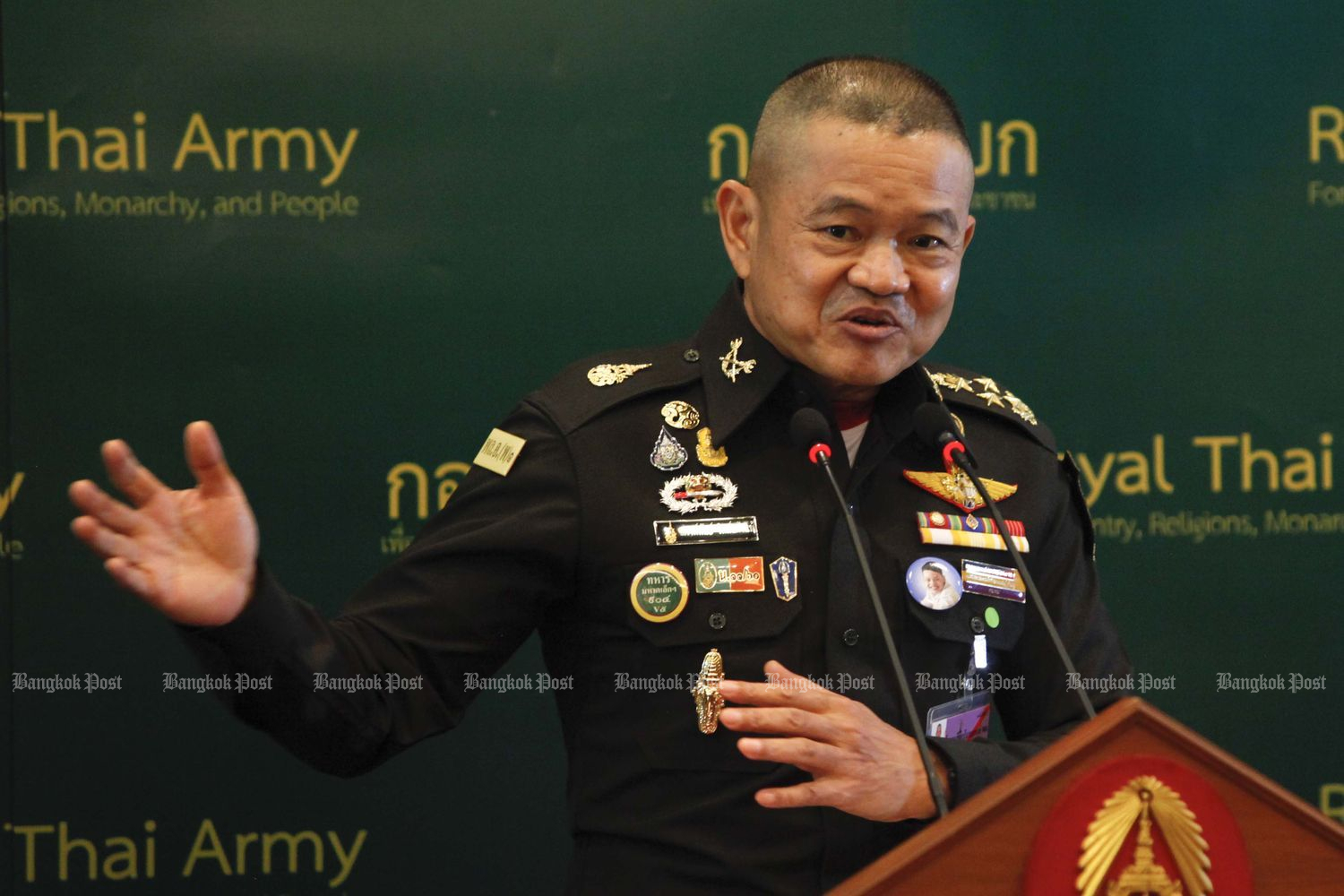 Army chief Gen Narongpan Jittkaewtae, unhappy with coup rumours, files a complaint against a Facebook user on Saturday. (Bangkok Post file photo)