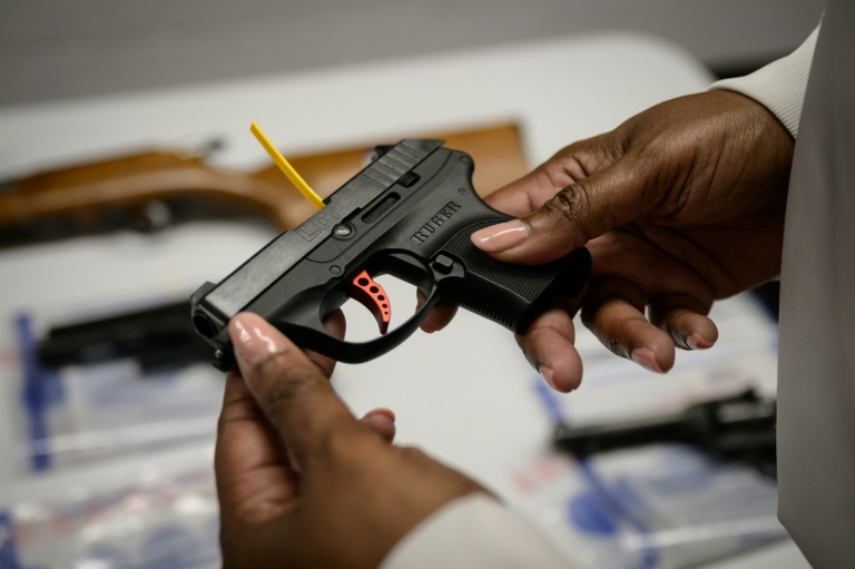 Mexico wants the United States to crack down on illegal cross-border firearms trafficking.