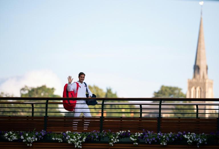 Roger Federer turns 40 with career at crossroads