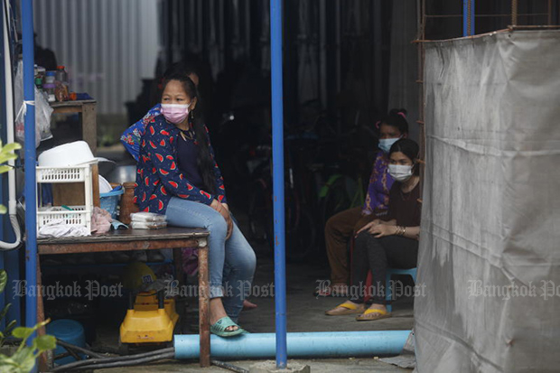 Construction camp lockdowns in Bangkok and neighbouring provinces have left Thai and foreign workers jobless as the government tries to contain the spread of Covid-19. (Photo: Nutthawat Wicheanbut)