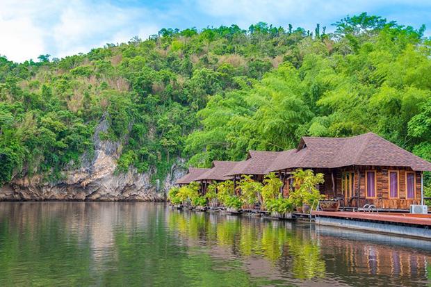 Saiyok Floatel on the Kwai Noi River in Sai Yok district before it is removed due to encroachment on Sai Yok National Park. (Photo: Saiyok Floatel Facebook page)