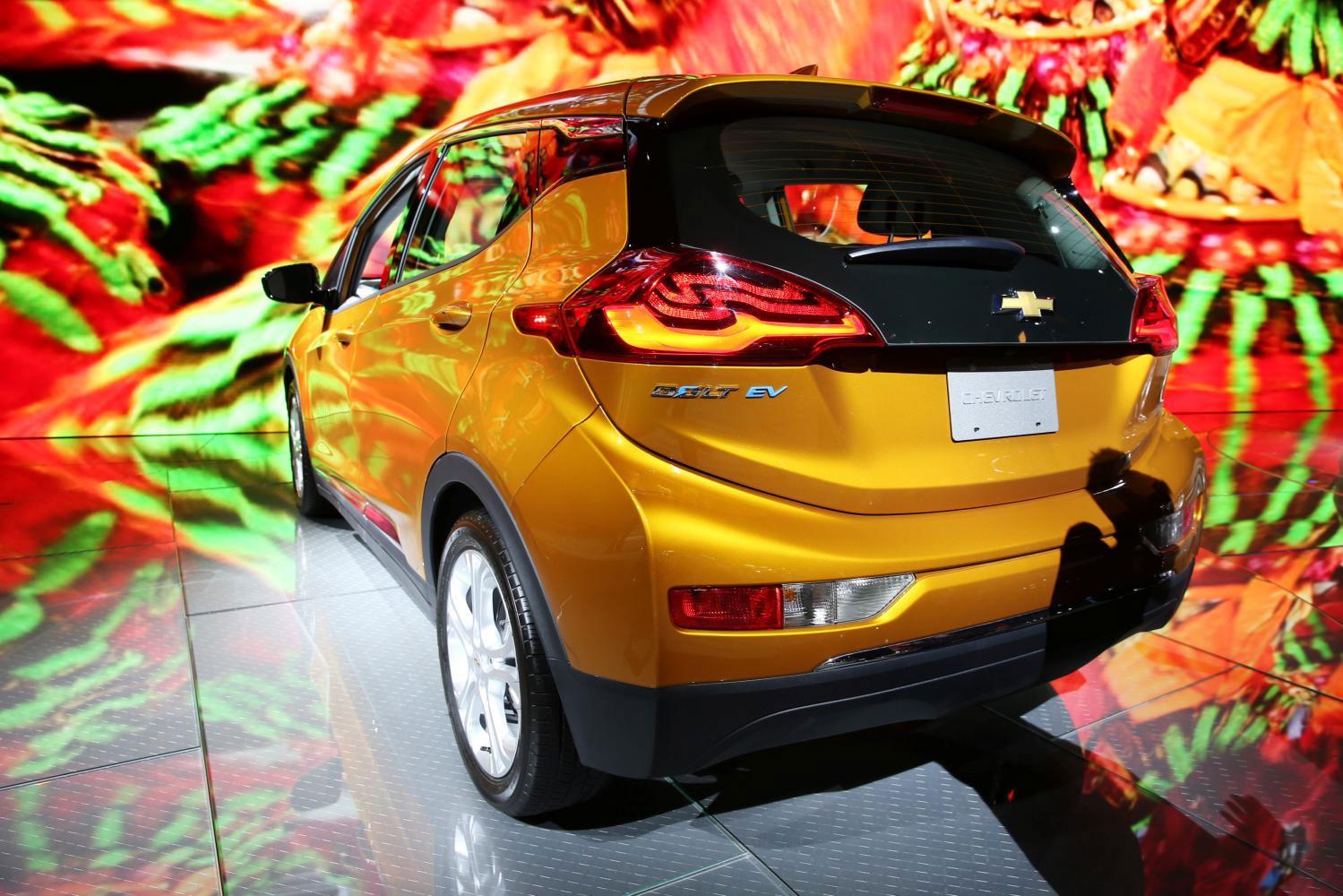 GM's Chevrolet Bolt Recall Casts Shadow Over EV Push