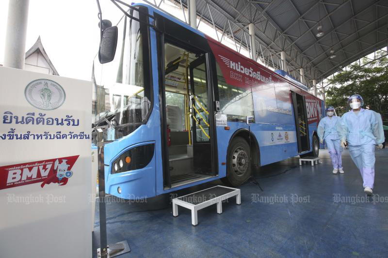 A mobile vaccination bus is seen parked at Wat Thepnaree in Bang Phlad district. (Photo: Pattarapong Chatpattarasill)