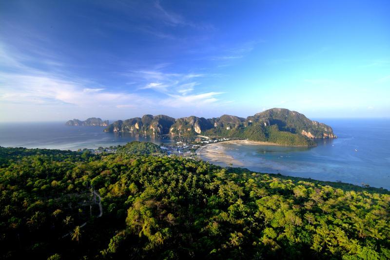 Phi Phi Island in Krabi (Photo: Tourism Authority of Thailand)