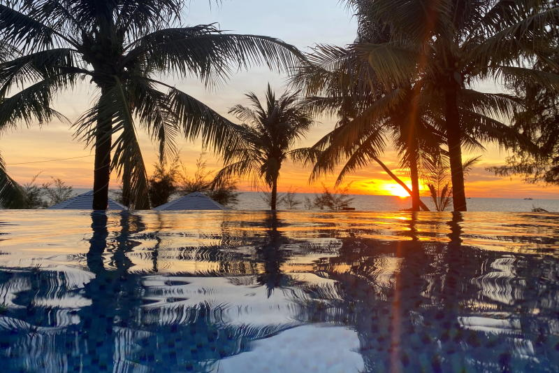 FILE PHOTO: A sunset is seen at a resort after the Vietnamese government eased the lockdown following the coronavirus disease (Covid-19) outbreak, in Phu Quoc island, Vietnam May 8, 2020. (Reuters)
