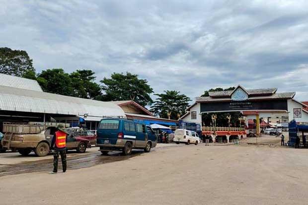 Ban Laem checkpoint in Pong Nam Ron district of Chanthaburi, the entryway to Battambang province of Cambodia. (Photo from Talad Ban Laem Chanthaburi FC Facebook account)