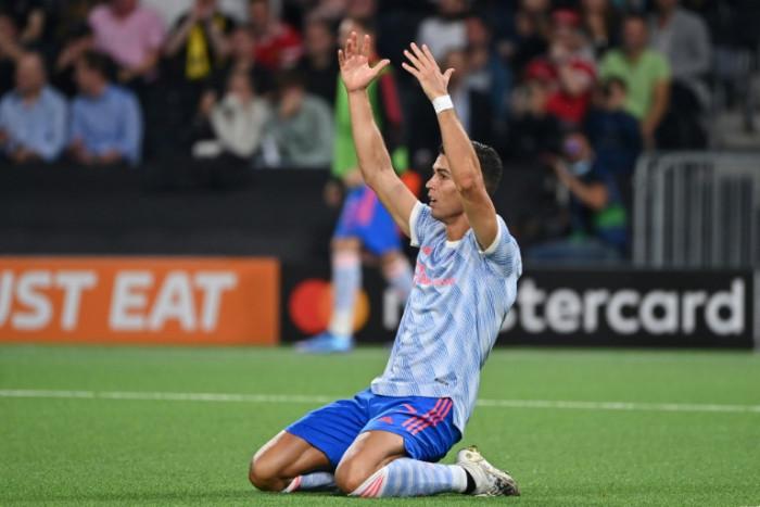Ronaldo's Man Utd seek response, Chelsea look to Lukaku in Spurs clash