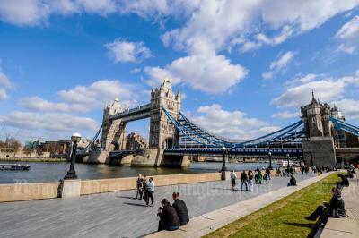 Parents complain of slow UK student visas