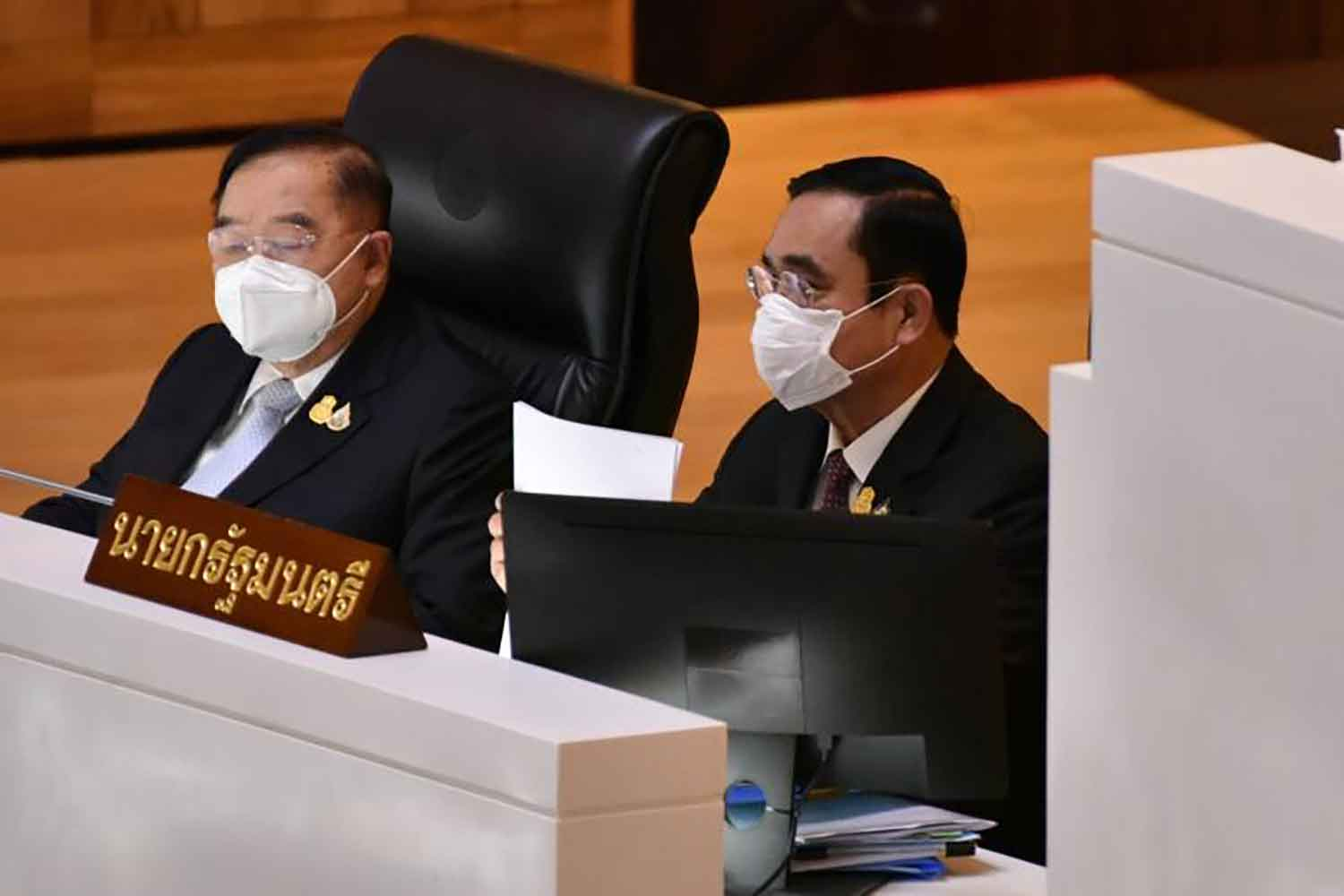 Prawit insists ties with Prayut, Anupong remain solid