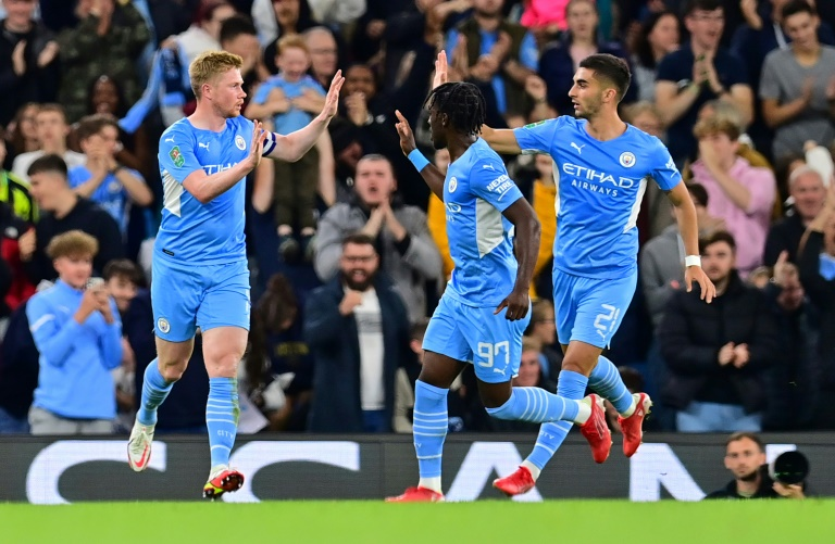 Holders Man City hit six, Liverpool cruise in League Cup