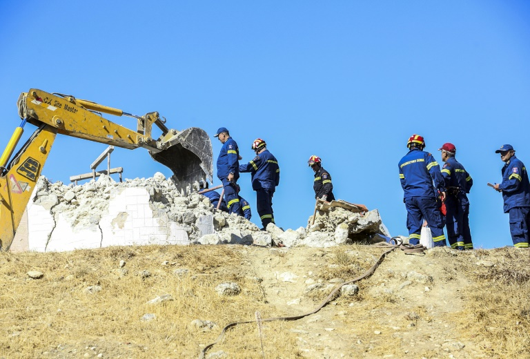 Quake on Greek island of Crete kills one, spreads panic