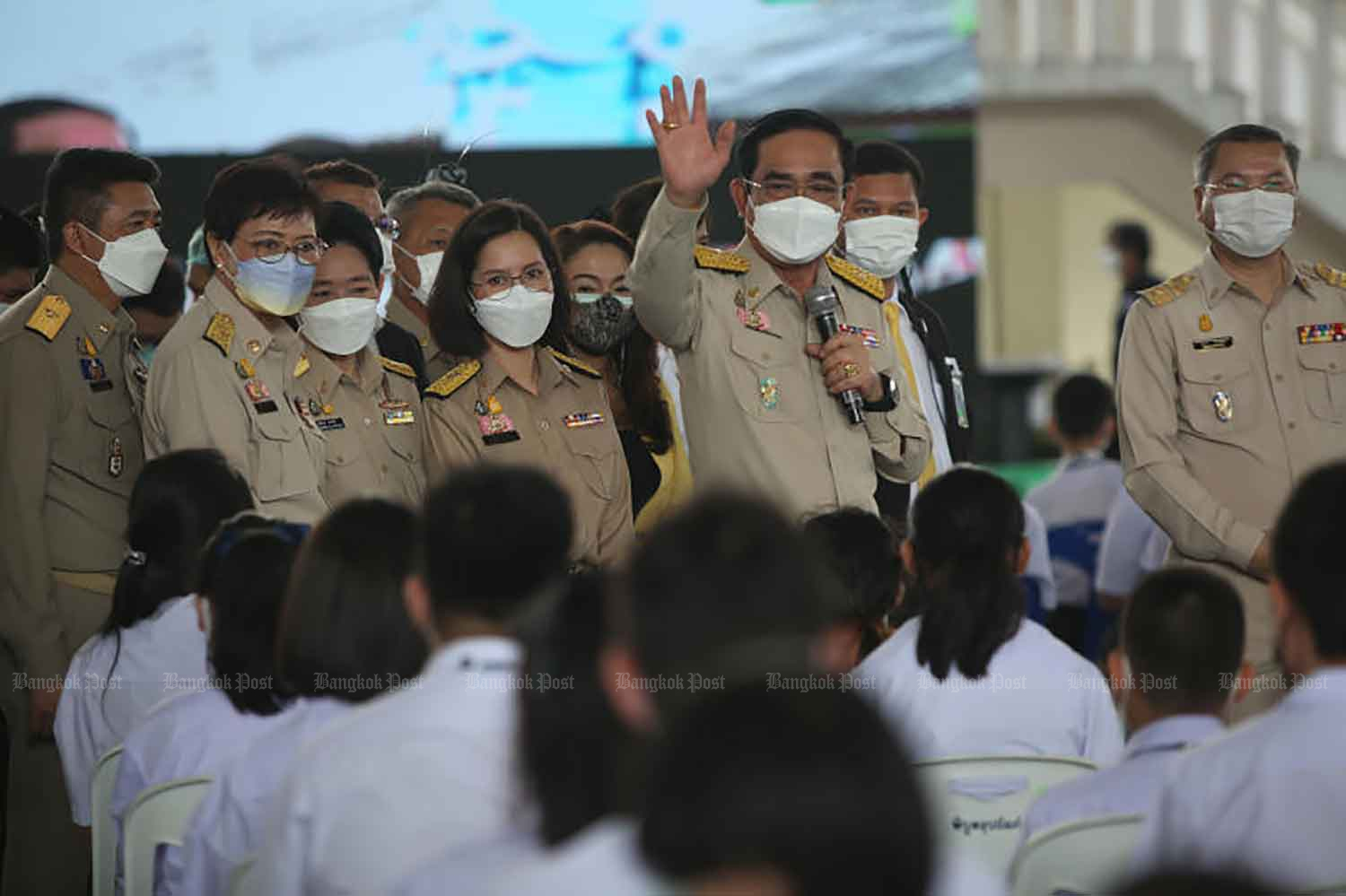 Prime Minister Prayut Chan-o-cha  presides over the kick-off of the vaccination campaign for young people aged 12-18 in Bangkok's Huai Khwang district on Monday. (Photo: Varuth Hirunyatheb)