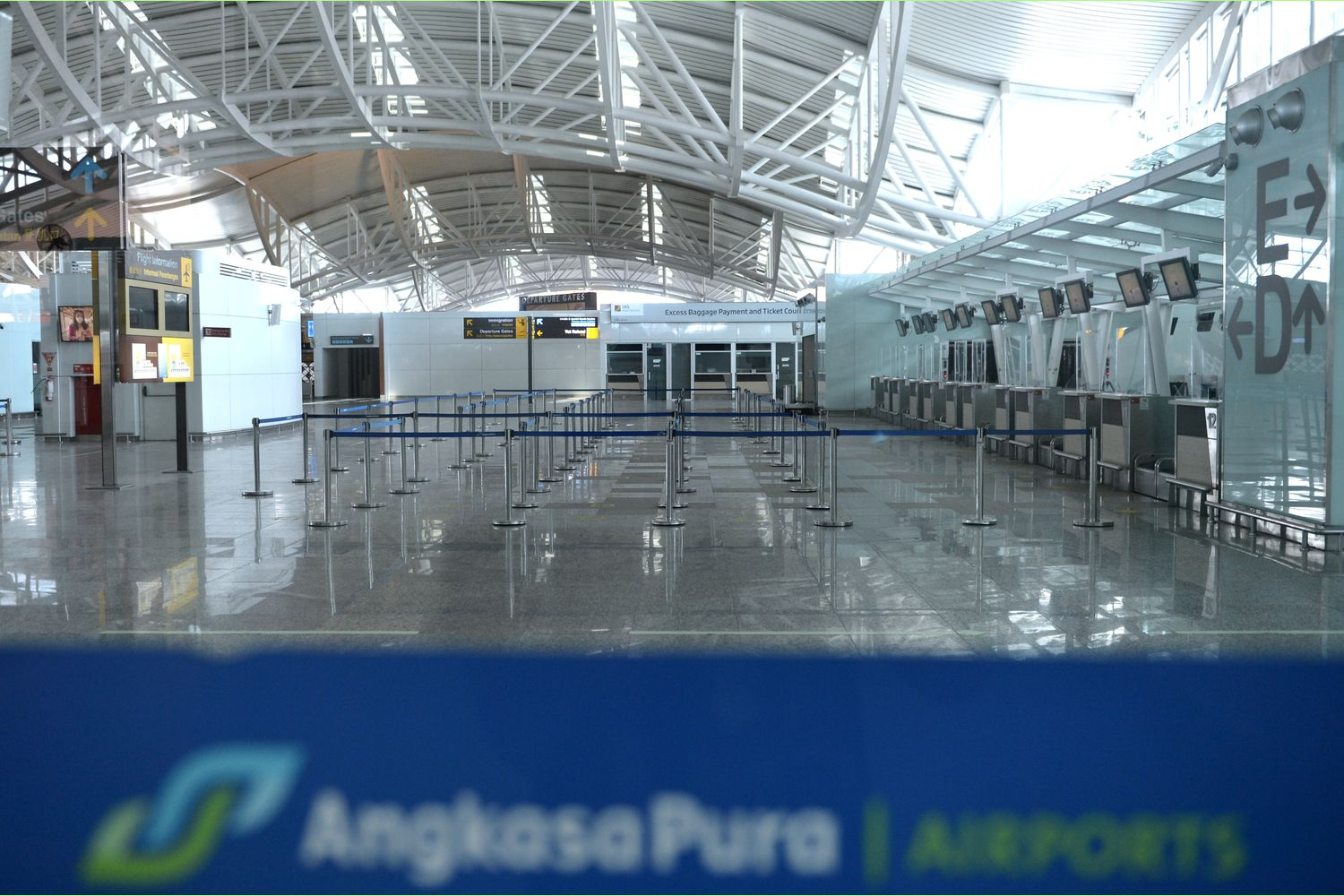 An empty view of Ngurah Rai International Airport is seen as Indonesia's resort island of Bali reopens for international flights, following border closures brought about by the coronavirus disease pandemic in Badung, Bali, on Thursday (Antara Foto/Fikri Yusuf/via Reuters)