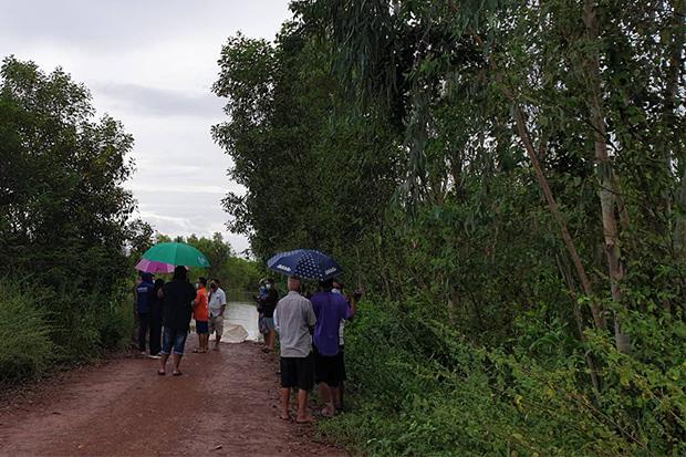 Man found dead on flooded village road