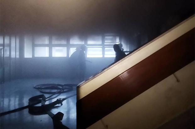 Small fire on storage floor of Siriraj Hospital doused