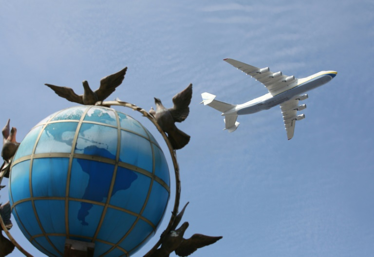Fly more, pollute less -- the great aviation conundrum