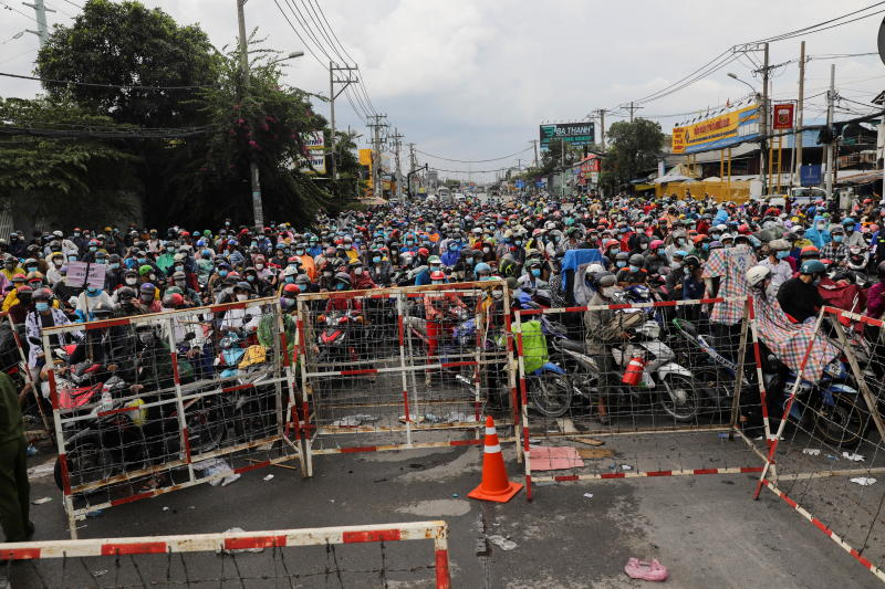 Vietnam PM promises economy will rebound from Covid-19 hit