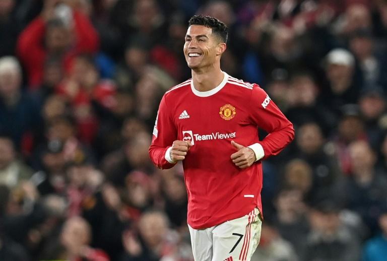 Ronaldo saves Man Utd again as Chelsea and Bayern cruise
