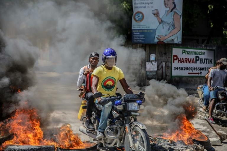 Haiti gang leader threatens to kill hostages: video