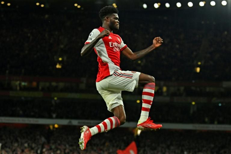 Partey ends goal drought as Arsenal beat Villa