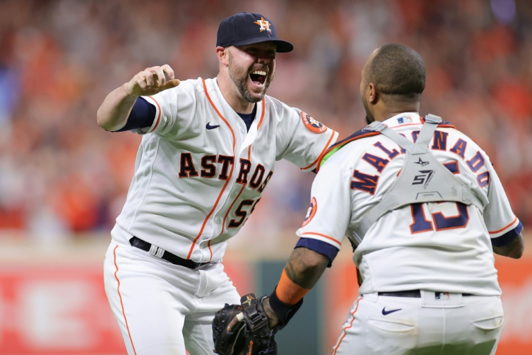 Astros defeat Red Sox to reach World Series