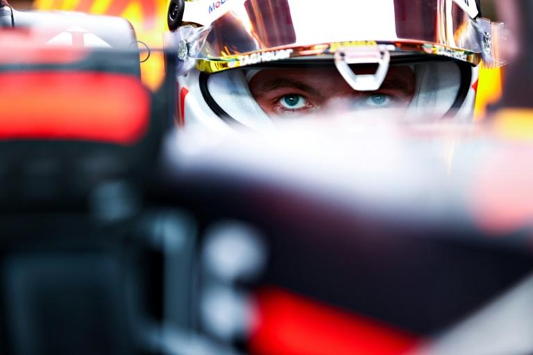Verstappen edges Hamilton for US Grand Prix pole in front of 120,000 fans