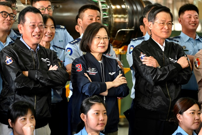 Taiwan leader confirms small US troop training presence