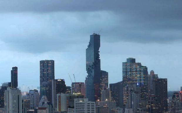 The MahaNakhon building stands tall among skyscrapers in the Silom/Sathon area. Pace Development Co has drawn in Apollo and Goldman Sachs as investors in the project.PATTARACHAI PREECHAPANICH