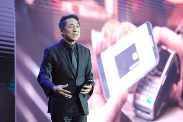 Mr Wichai announces the full roll-out of the company's mobile payment service, Samsung Pay, in Thailand after last year's soft launch.